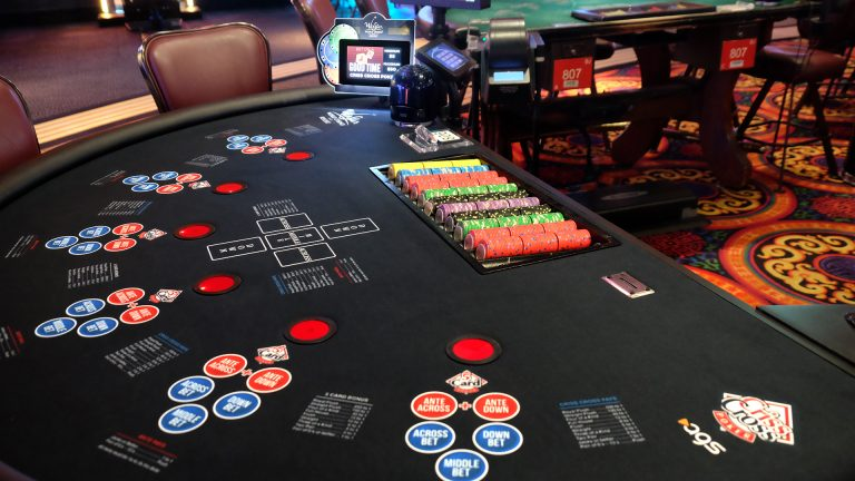 Permainan Kartu Poker Online